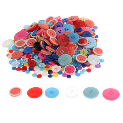 12 x Doll or Baby GREEN Colour 4-Hole Resin Buttons 12mm Wide FD1G