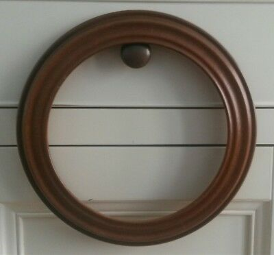 Van Hygan & Smythe Round Hanging Wooden Collector Plate Display Frame