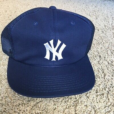 220a0e4ddc3 VTG 80s New York Yankees Sports Specialties Snapaback Hat Jeter Trucker