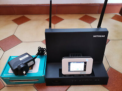Netgear Aircard Optus AC800S CAT11 and WiFi coverage boost Smart Cradle DC112A