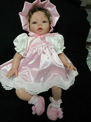 """**ooak Set In  Embroiderd Ivory & Pink Satin Fabric For A 19-23"""" Reborn**"""