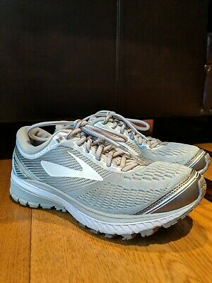 fa2557aad5d BROOKS GHOST 10 Womens Running Sneaker Shoe White Gray SIZE 7.5 ...