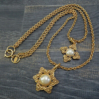 CHANEL Gold Plated CC Imitation Pearl Vintage Necklace Pendant #4218a Rise-on