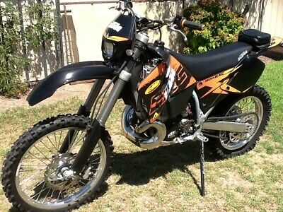 KTM 300 exc 2000 model perfect condition two stroke