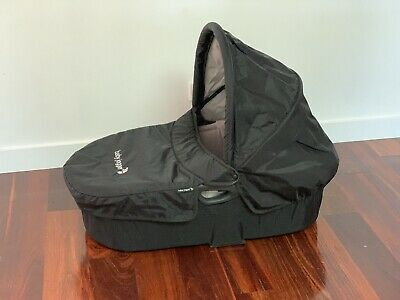 Baby Jogger Deluxe Bassinet with adaptors - Pickup only