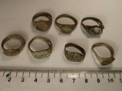 4266	Lot of 7 ancient Roman and Medieval bronze rings , some without stones