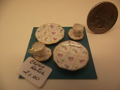 Reutter Porzellan Dollhouse Miniature Umbrella Girl Display Plates on Wire Rack