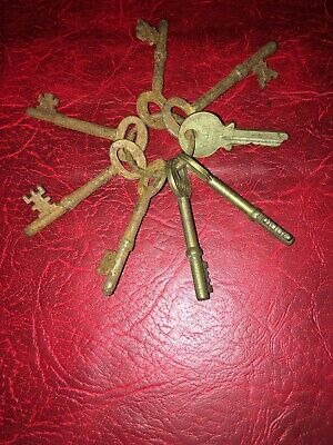 Bunch Of Old Keys  On Old Round Key ring