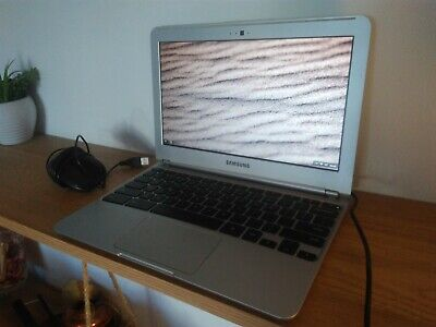 "Samsung XE303C12 11.6"" Chromebook (16GB, Exynos 5 Dual, 2GB) Laptop Chrome OS"