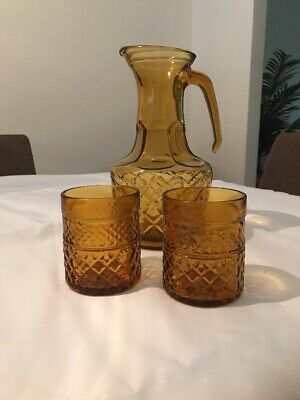 Vintage Retro  Amber Glass Diamond Pattern Water Jug And Two Glasses