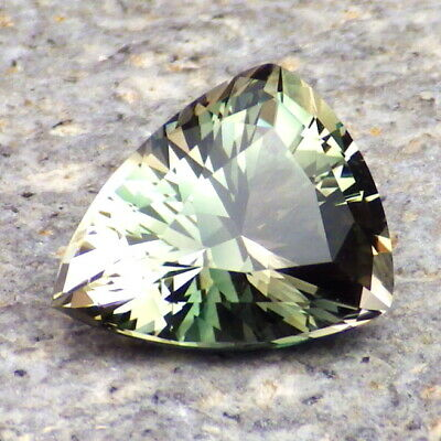 GREEN DICHROIC OREGON SUNSTONE 3.50Ct FLAWLESS-RARE COLOR-FOR HIGH-END JEWELRY