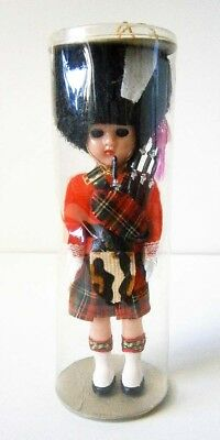 VINTAGE HARD PLASTIC COSTUME DOLL QUEENS SCOTS GUARD MINT in CYLINDER