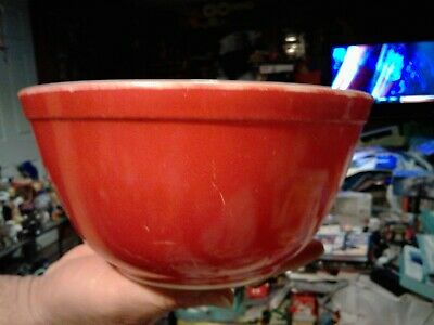Vintage Pyrex Dark Red 1 1/2 Qt Pre-Owned Round Mixing Bowl 402 No Size Under It
