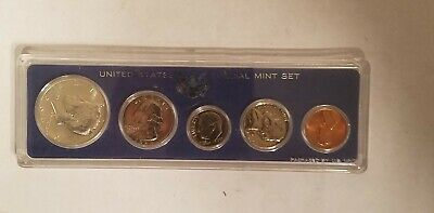 1966 US Mint SPECIAL MINT SET 5 Coins - Kennedy Half Dollar is 40% silver