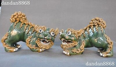 Old Chinese Wucai porcelain Hand carved Fengshui Lion Foo dog statue Piar