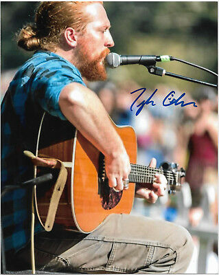 TYLER CHILDERS Auto Signed 8x10 Photo w/COA **RARE** Acoustic Guitar Performance