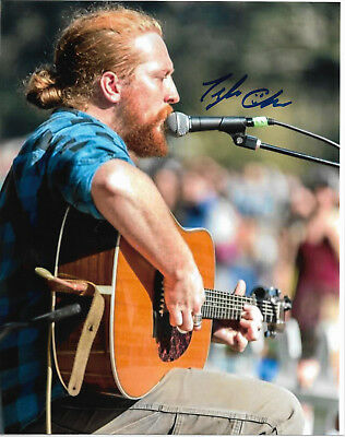 TYLER CHILDERS Auto Signed 8x10 Photo w/COA *RARE* Acoustic Guitar Performance