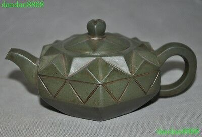 Collect Marked Old Chinese yixing zisha pottery carving Teapot Tea maker statue
