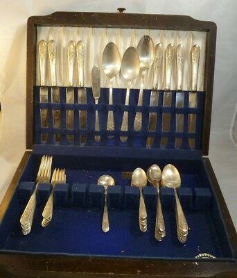 Service for 8 Rogers XII Overlaid Silverplate Flatware IS  plus 5 Serving Pieces