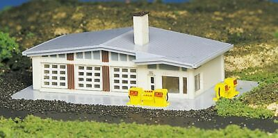 Bachmann BAC45904 N-Scale Gas Station 1950's-1960's Style Mid-Century Built-Up