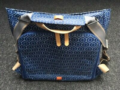 PacaPod Lewis 2 in 1 changing bag - Excellent condition (Navy tile)