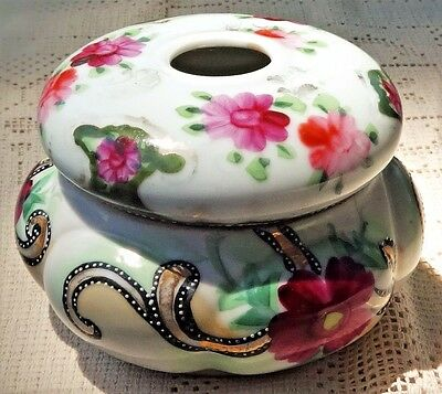 VINTAGE EARLY TO MID-20th CENTURY HAND PAINTED HAIR RECEIVER - FLORAL DESIGN