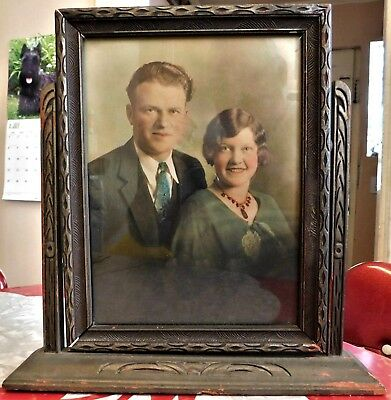 ANTIQUE EARLY 20th CENTURY CARVED WOODEN PICTURE FRAMED W/ COLORIZED PHOTOGRAPH