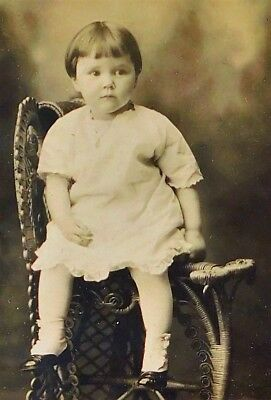 Antique Late 1800'S Cabinet Photo - Young Galena Illinois Girl Posing