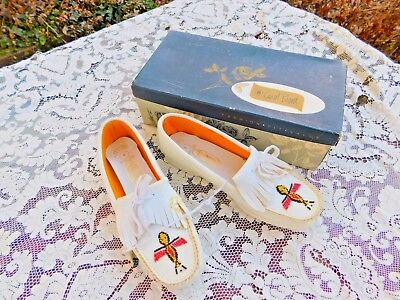 Vintage Never Worn Fascinators Brand White Beaded Moccasins Shoes Size 8 Women