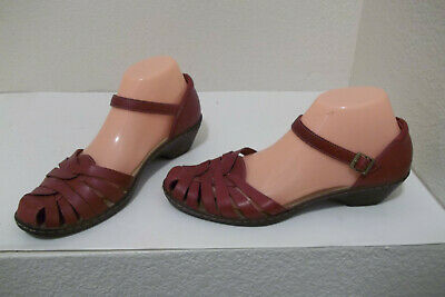 699681dcd0d920 Cute Womens Clarks Bendables Wendy Land Red Woven Leather Sandals Shoes 8.5M