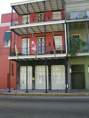 1 BR Balcony Unit in Warehouse District