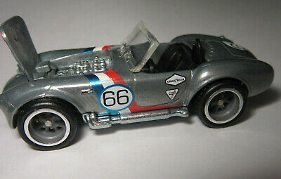 2011 Hot Wheels Shelby Cobra 427 Garage Real Riders 1:64 Silver T8265