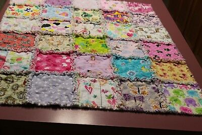 BABY or TODDLER GIRL RAG QUILT I SPY Colorful Learning 30 Different Squares