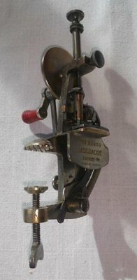 Moldacot - Antique miniature sewing machine 1885