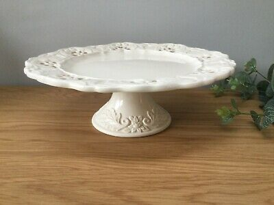 Large Vintage cake stand cream excellent condition