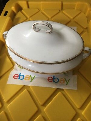 Vtg Homer Laughlin USA Genesee 85L Covered Dish/Casserole Dish, Gold trim *