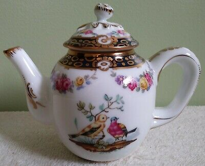"2.25"" Victoria & Albert Teapot Collection Tournay Birds Franklin Mint 1985"