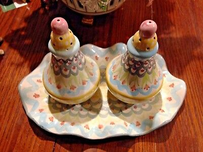 Mackenzie Childs  King Ferry Ceramic Salt And Pepper Shakers with Platter Tray