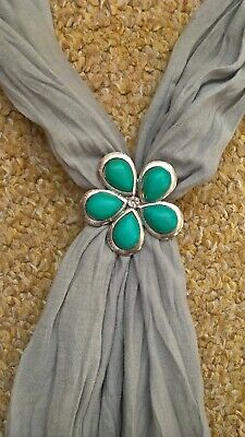 ladies grey scarf with magnetic flower clasp, very good condition