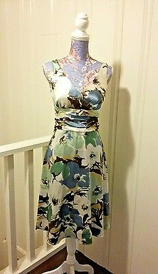 Dress Barn size 4 Ruched Waistband V Neck Fit & Flare Floral Dress