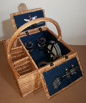 Wicker 4 Person Picnic and Wine Hamper With Bi-Fold Lid and Carry Handle