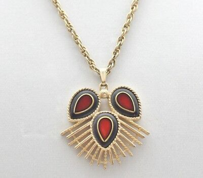 Vintage DYNASTY 1973 Sarah Coventry Pendant & Chain Necklace 8656 Red Black Gold