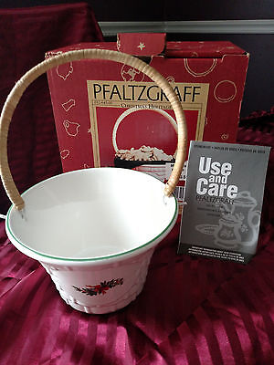"""Pfaltzgraff """"Christmas Heritage"""" Large Woven Basket with Handle"""