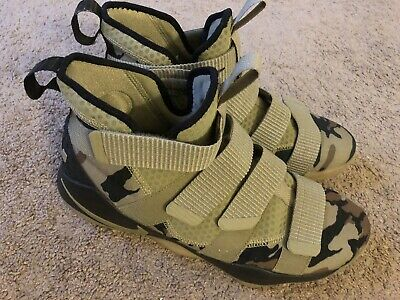 quality design 68c79 deb61 NEW NIKE LEBRON James Soldier XI Flyease Army Olive Camo Shoes sz 13