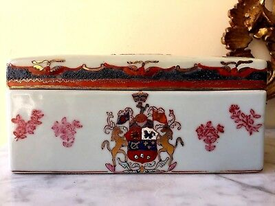 ANTIQUE 18th C CHINESE PORCELAIN FAMILLE ROSE JEWLERY BOX