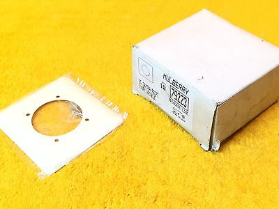 New Mulberry 79223 Ivory Wrinkle 2-Gang 30 - 50 Amp Single Receptacle Plate