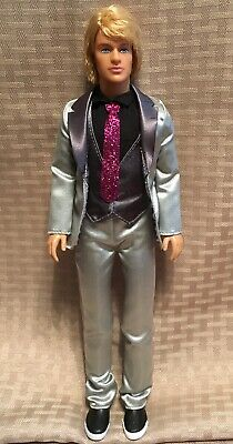 18aaa99fbd778 Mattel KEN DOLL~2005~Rooted Blond Hair ~Silver   Gray Suit w