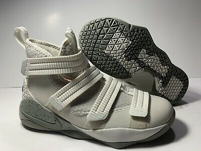 8c43c60e9da8 Youth SZ 5Y Nike Lebron (Soldier 11) Light Bone 918369-099 Basketball Shoes