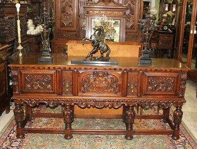 Exquisite Berkey & Gay | William & Mary Style Inlaid Mahogany Sideboard / Buffet