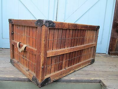 INDUSTRIAL / STEAMPUNK wooden slat BOX / CRATE coffee table CAN - BE - DELIVERED